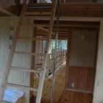 個室のロフトはしごと登り棒