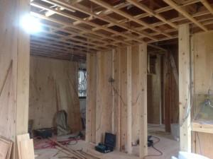 1211床の合板が張られ天井の工事に