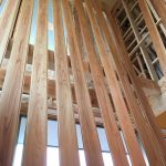 天井羽目板乾燥中